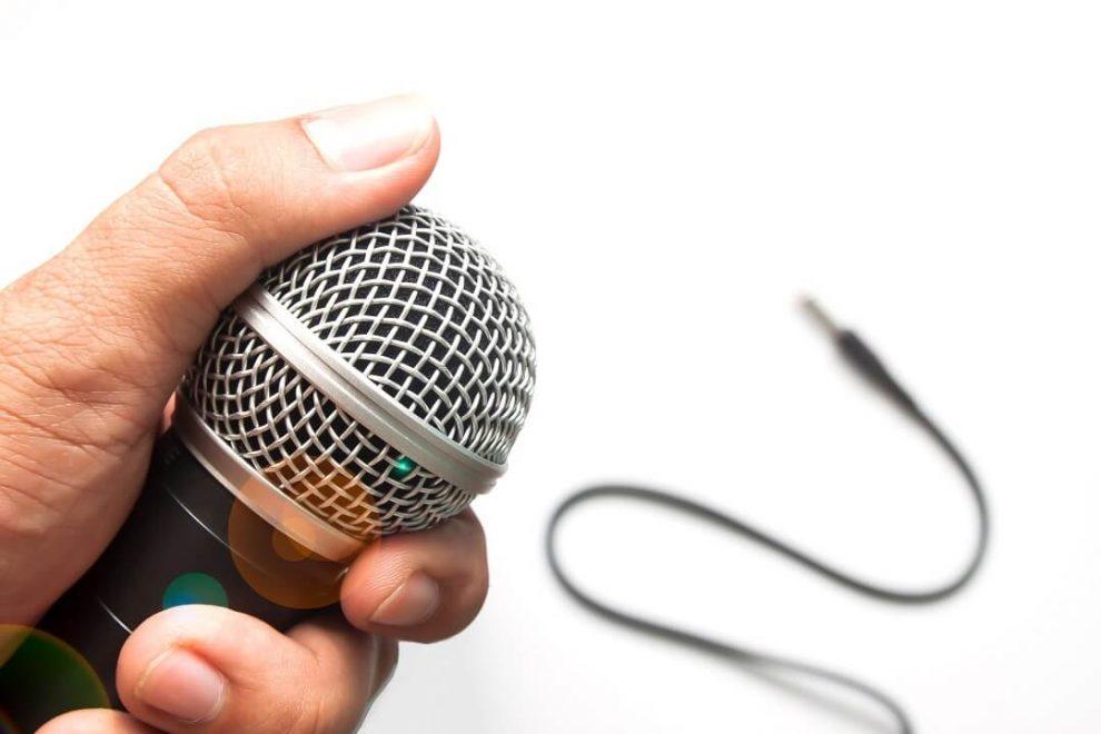 Como se tornar um apresentador de rádio - Blog da BRLOGIC