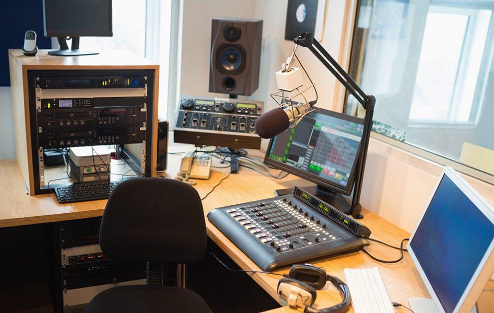 Quais as diferenças entre uma web rádio e uma rádio tradicional