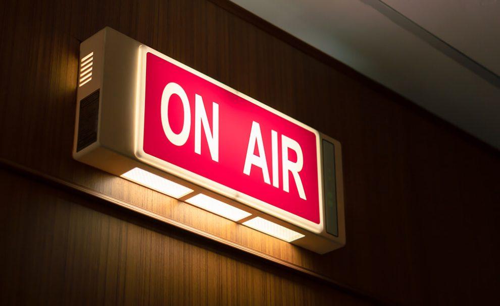 As diferentes profissões necessárias em uma rádio